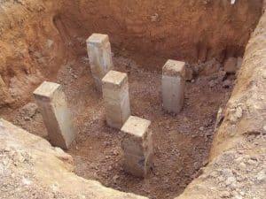 Công tác đào móng cọc bê tông