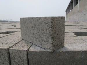Thi công xây nhà cấp 4 bằng gạch ba banh như thế nào?