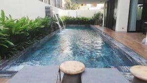 Thiết kế hồ bơi sân thượng