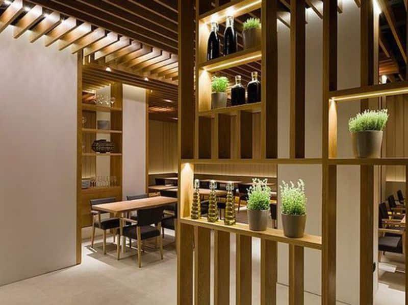 mẫu thiết kế lam gỗ phòng khách ấn tượng