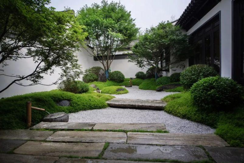 thiết kế sân vườn đơn giản