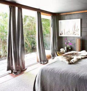 Treo rèm tạo nên không gian lãng mạn cho căn phòng