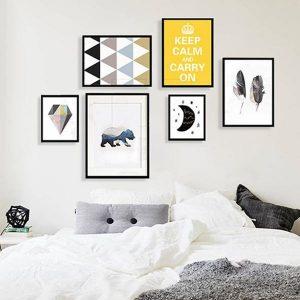 Tranh treo tường là những món vật dụng nên có trong phòng ngủ