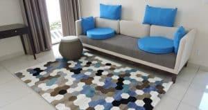 Thảm trải sàn phòng khách với thiết kế sáng tạo